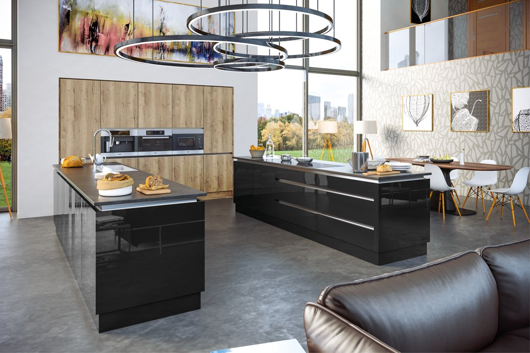 Zurfiz Halifax Natural Oak Ultragloss Black Kitchen